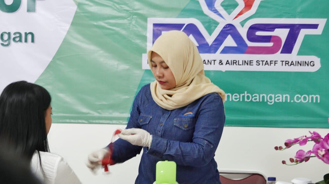 Kegiatan Medical Checkup Sekolah Pramugari FAAST Penerbangan