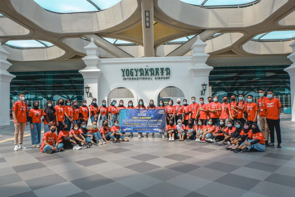Kegiatan Visit Bandara Sekolah Pramugari FAAST Penerbangan Yogyakarta Angatan November 2020